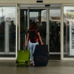 COE autoriza libre movilidad por el feriado y aforo del 100% en transporte turístico